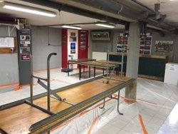 Mise en place de la salle pour la préparation des caillettes/saucisses - Association Sportive de Cornas