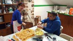 soirée tartiflette après l entrainement.merci a julio,ghislaine et adrien pour ce très bon repas - Association Sportive de Saint-Viance