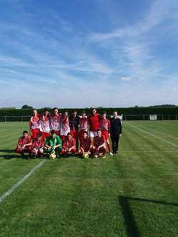 l'équipe U18 - AM.S VILLIERS AU BOUIN