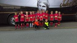 U8,U9 devant le bus de Lens à Marpent - Football Club de Marpent