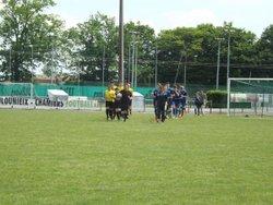 Avant dernier match de la saison à CHAMIERS. Victoire 3 à 2 - Ecole de foot FOOTHISLECOLE