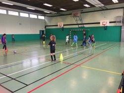 Entraînement filles 7/10/2017 motricité contrôle passes différenciées !! U10U11 - Associazione Club Montreuil Futsal         ACM MONTREUIL FUTSAL