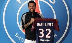 Dani Alves rejoint le PSG - PSG