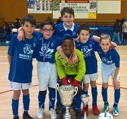 Les U11 vainqueurs du tournoi en salle de Loire Sornin - ROANNE MATEL SPORT FC