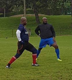 Malgré la couleur du ciel, le président et son équipe sont au RDV - SANTE FOOTBALL  CLUB DE GRIGNY