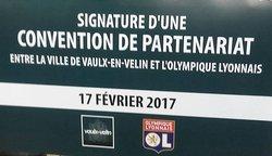 Convention entre la ville de Vaulx En Velin et l'Olympique de Lyon
