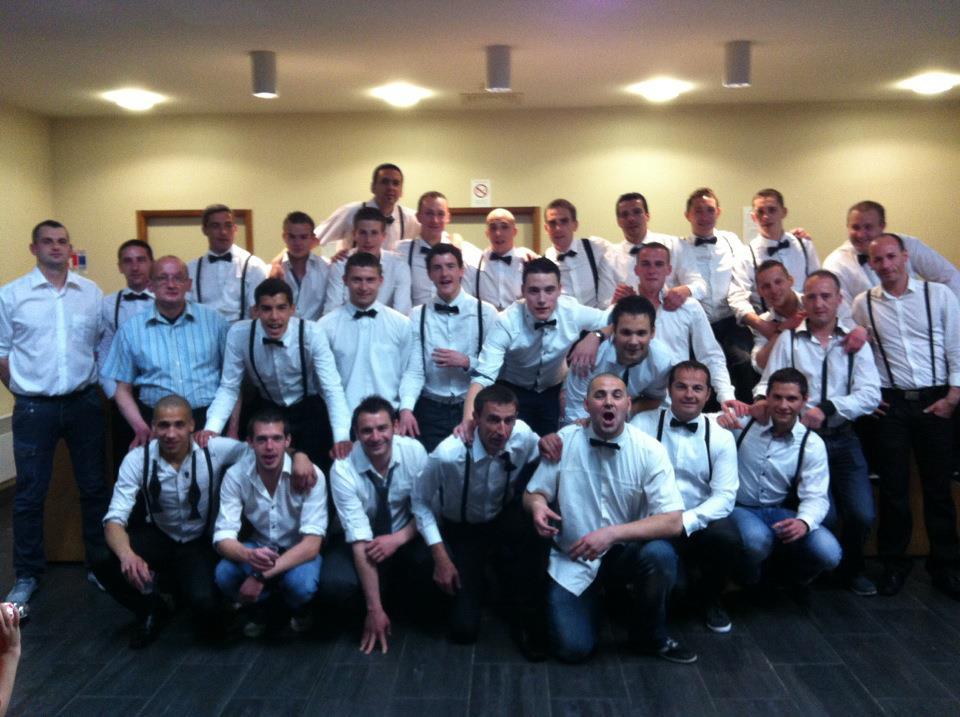 Équipe de serveurs seniors lors du repas de football du C.S. JOSSELINAIS de l'année 2012 dernière