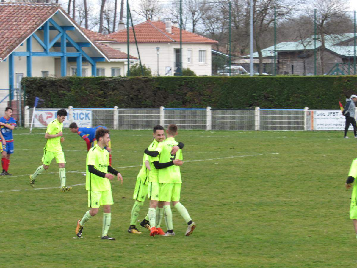 Album 1 4 de finale de coupe des landes u18 en club football football club tartas st - Coupe des landes football ...
