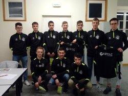 Les U19 recoivent leur sweet GAZPAC offert par l'oncle de Tom Le Doussal - AMICALE SPORTIVE TREMEVENOISE